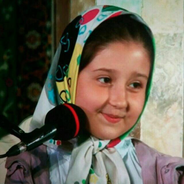 کسب رتبه برتر مسابقات مشاعره در سطح استان تهران توسط نیلوفر پوربابا
